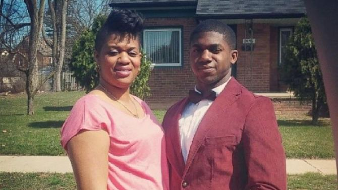 Michigan Teen Invites Mom to Prom After Learning Why She Missed Her Own