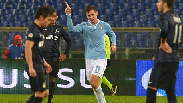 Serie A - Late Klose goal stuns Inter as Lazio claim points