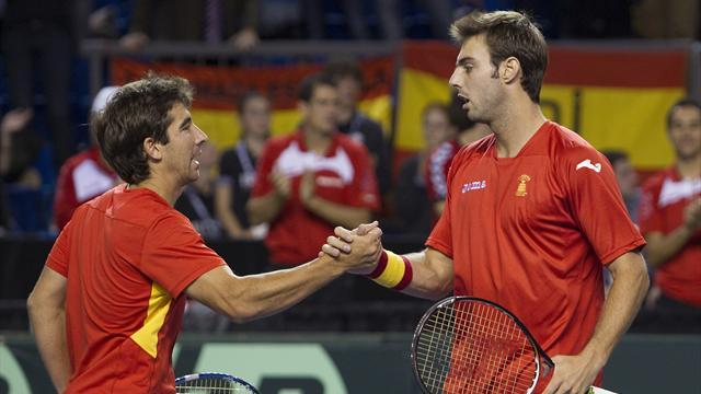 Davis Cup - Spain stay alive with doubles win over Canada