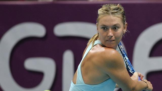 Tennis - Sharapova breezes into Paris semis