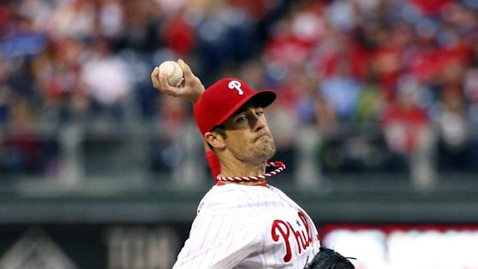 Hamels, Brown lead Phils past Reds