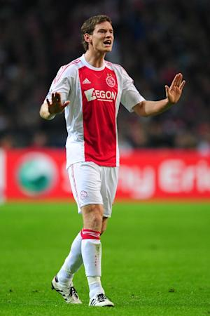 Jan Vertonghen's representatives are trying to reach an agreement with Ajax