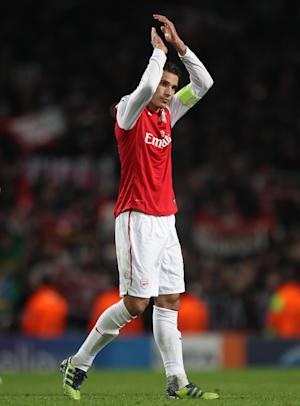 Robin van Persie has stated he will not sign a new contract at Arsenal