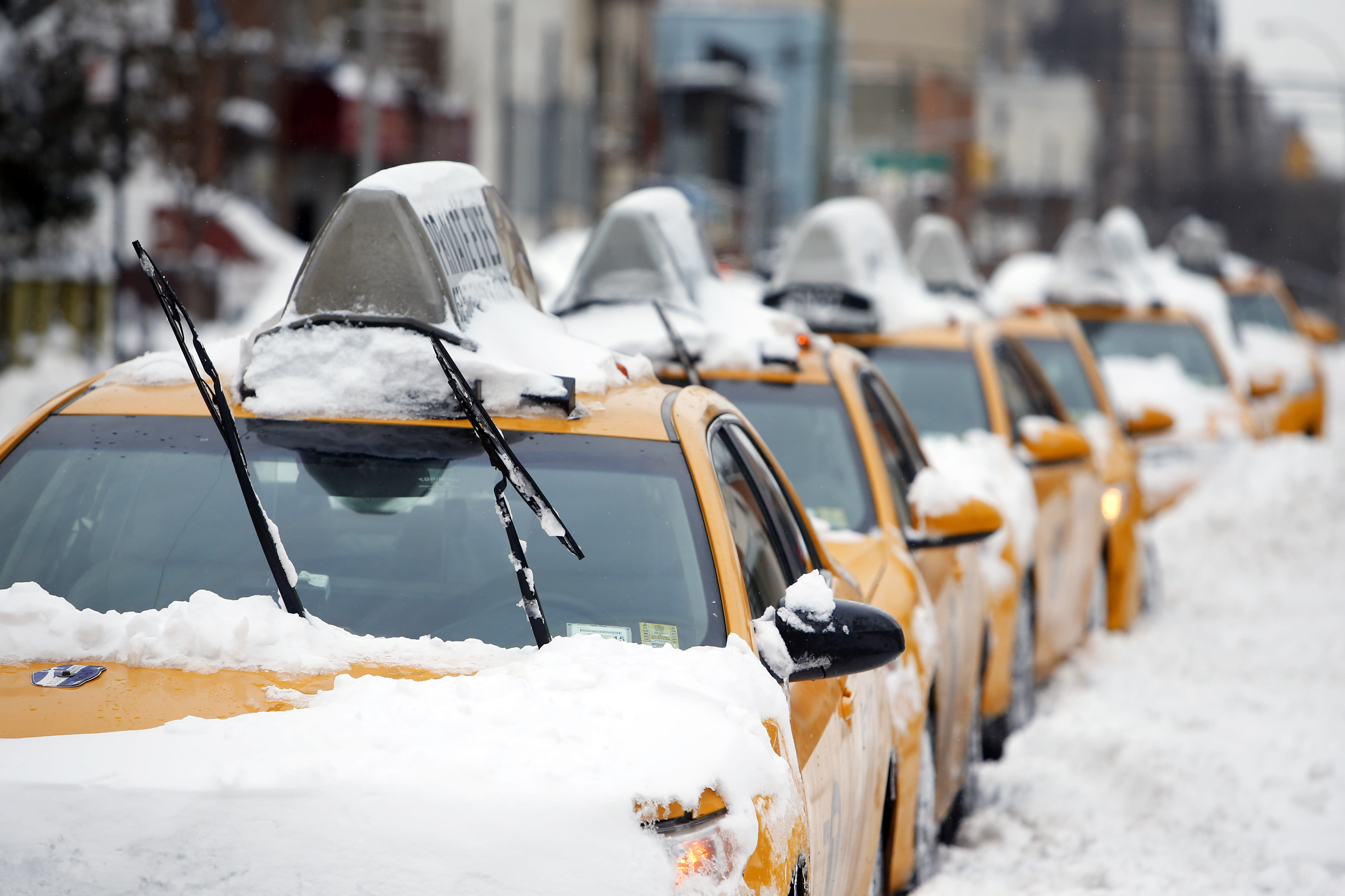 NYC economy lost $200M from fizzled storm, transit shutdown