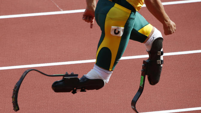 South Africa's Oscar Pistorius prepares to start his men's 400m round 1 heats at the London 2012 Olympic Games at the Olympic Stadium