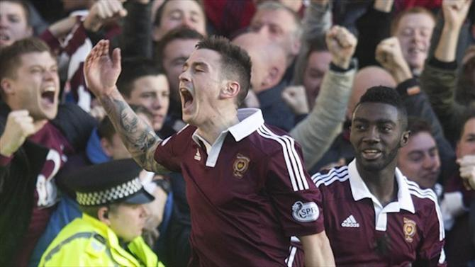 Scottish Football - Hearts celebrate title after Hibernian's defeat to Rangers