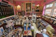 """The """"Diana"""" room is seen in the house of Margaret Tyler in west London October 16, 2013. REUTERS/Toby Melville/Files"""
