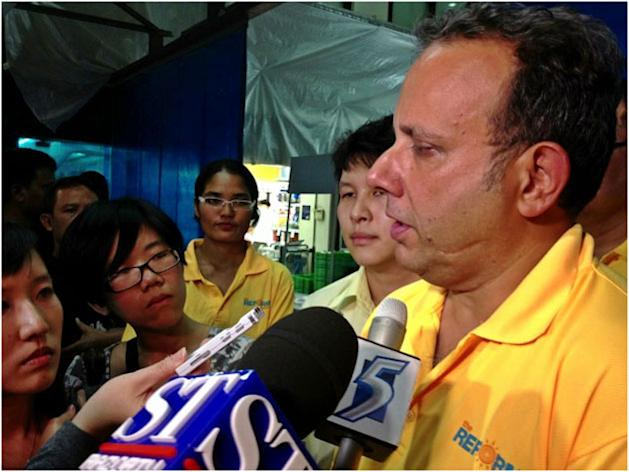 Reform Party chief Kenneth Jeyaretnam announces his candidacy for the Punggol East by-election. (Yahoo! photo)