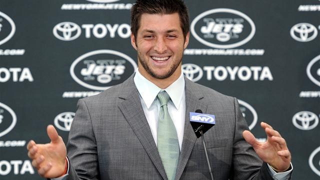 NFL - Tebow signs for New England Patriots