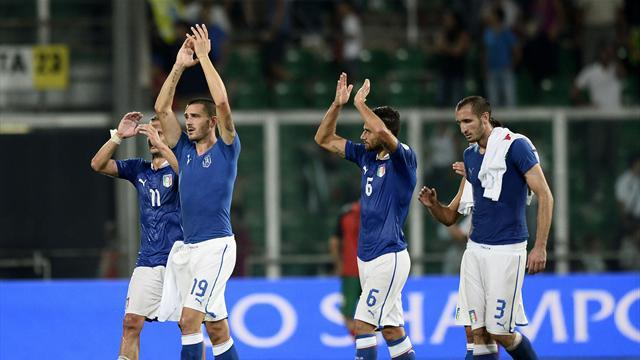 World Cup - Nervy Italy close in on World Cup qualification