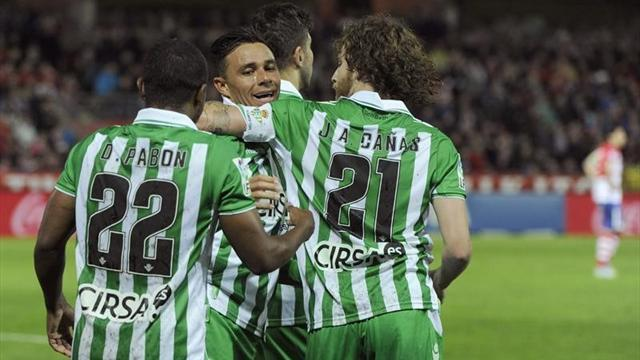 Liga - Two-goal Castro sparks Betis rout of Granada