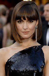 Beauty at the Oscar Awards 2012: Emma Stone's Bun PLUS Rose Byrne's Fringe