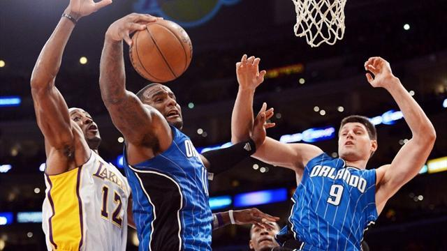 NBA - Magic stun Lakers to get better of Howard
