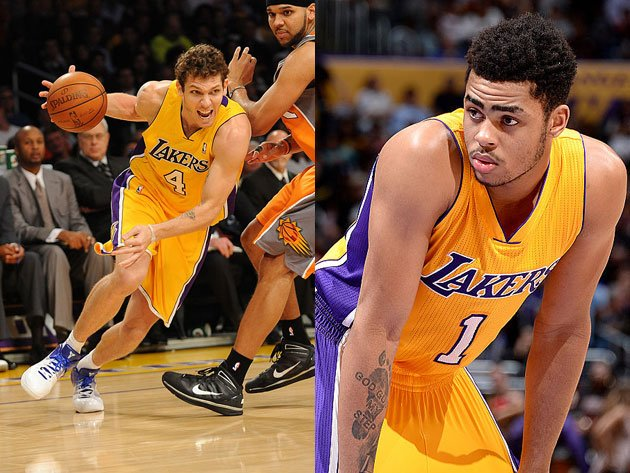 D'Angelo Russell takes note of Luke Walton. (Getty Images)