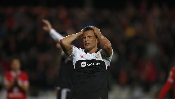 Benfica's Lima reacts after a missed scoring opportunity against Gil Vicente during their Portuguese Premier League soccer match at the Municipal stadium in Barcelos