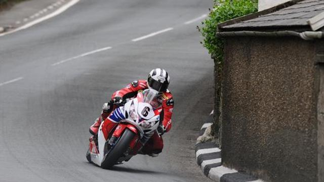 Superbikes - Dunlop to race Honda Legends Superbike at Ulster GP