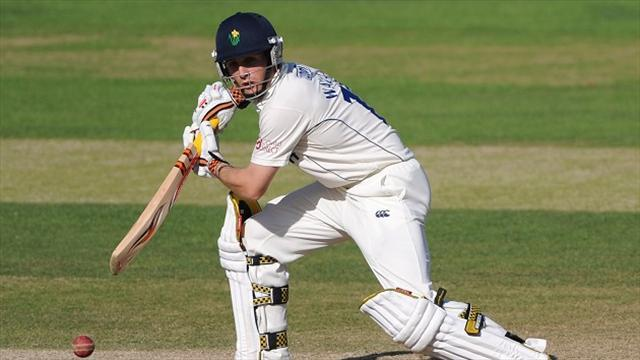 Cricket - Worcestershire close in on Glamorgan win