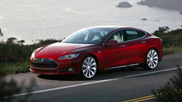 Tesla Calls Electric Car Review 'Fake'