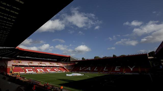 Championship - Charlton say sorry to fan accused of racial abuse