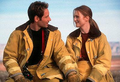 David Duchovny and Julianne Moore in Dreamworks' Evolution
