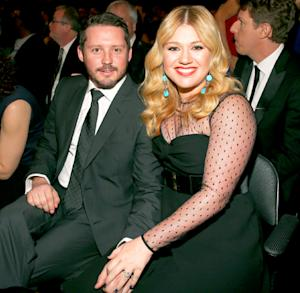 "Kelly Clarkson Pregnant, Says She's ""Totally Gonna Have a Girl"""
