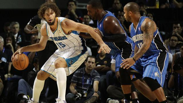 Howard-less Magic stung by Hornets in Mexico City