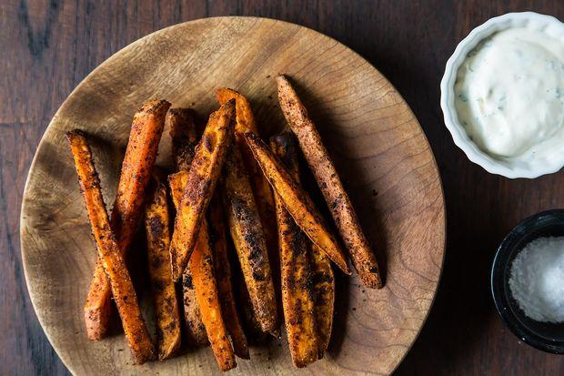 Southwestern Spiced Sweet Potato Fries with Chili Cilantro Sour Cream
