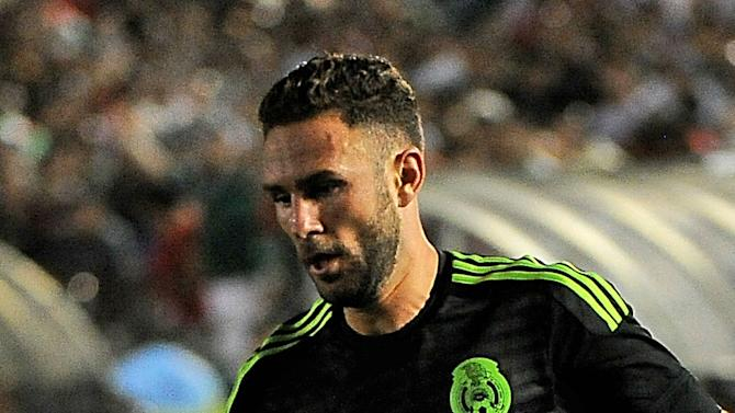 Mexico defender Layun upset by 'border wall' in Portugal Toys 'R' Us