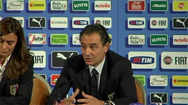 World Cup - Prandelli: Playing Spain before World Cup is risky