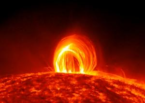 Super-Hot Plasma 'Rain' Falls on Sun in Amazing Video