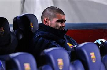 Valdes to address media as Barcelona exit looms