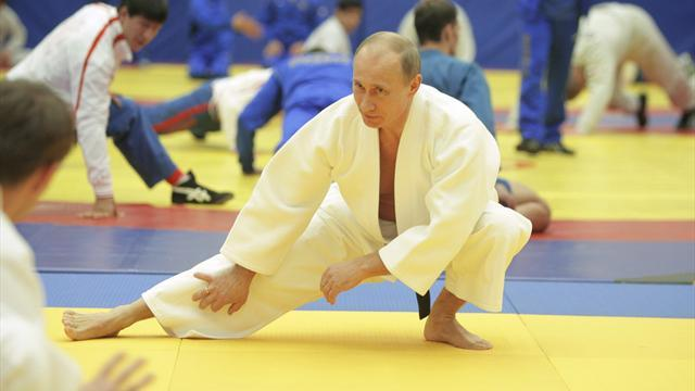 Vladimir Putin gets eighth dan in judo