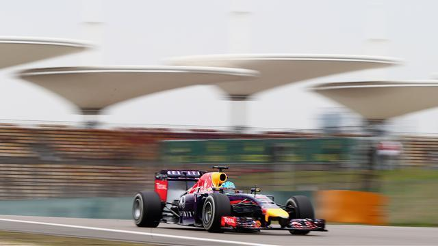 Motorsports - Drivers need to 'respect' team orders, says Ricciardo