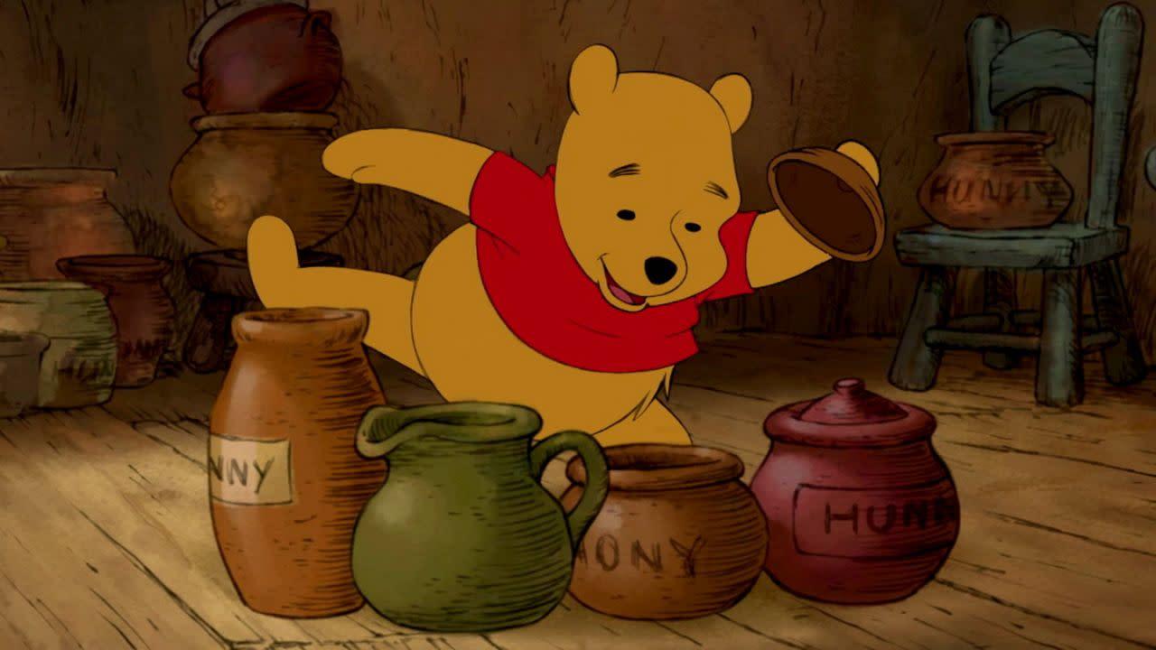 <p>《小熊維尼電影版》:我們不必抱頭苦思,就知道要在這份榜單中加進AA米恩筆下這隻熱愛蜂蜜、腦袋空空的熊熊。(圖:Disney) </p>