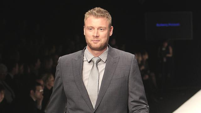 Boxing - Flintoff defends upcoming debut