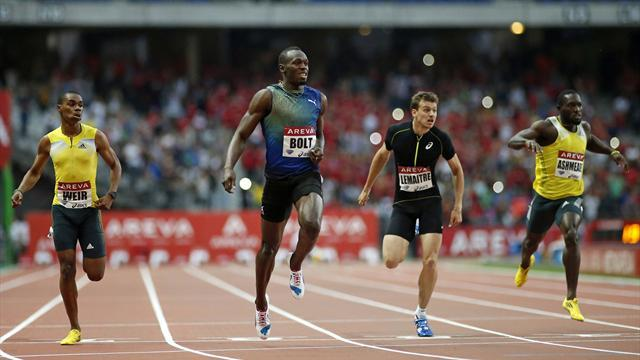 Athletics - Bolt races to year's fastest 200m time in Paris