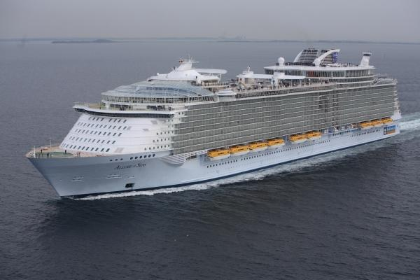 The world 39 s largest cruise ship allure of the seas - The allure of the modular home ...
