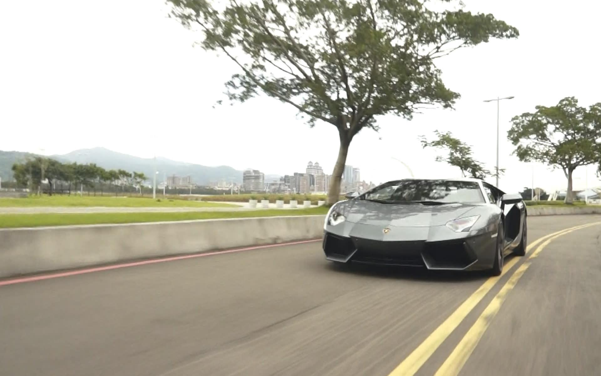 Lamborghini Aventador LP 700-4 大牛上路