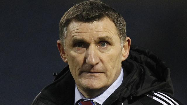 Football - Mowbray delighted with Boro's resolve