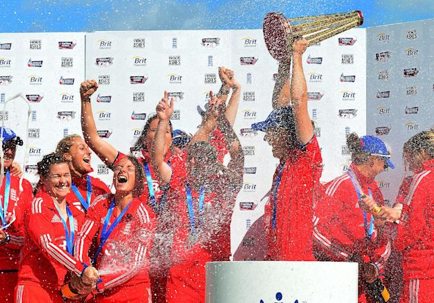 Cricket - 2013 Women's Ashes Series - Second International Twenty20 - England Women v Australia Women - Emirates Durham ICG