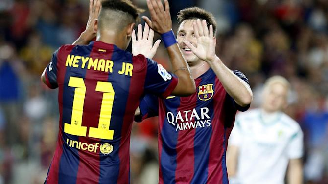 Liga - Messi recovering well from hamstring strain, Barca say