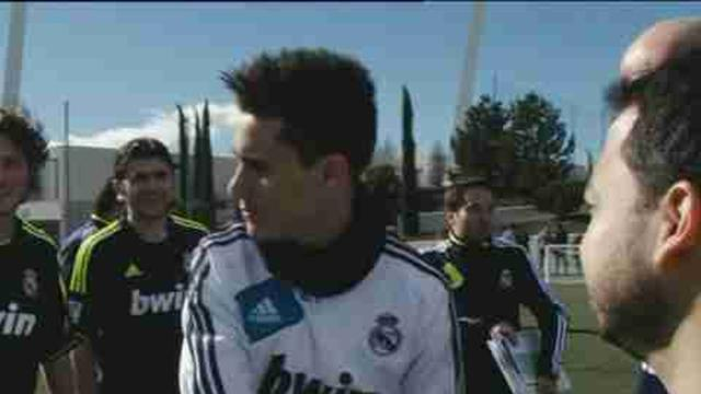 Real Madrid players train with fans