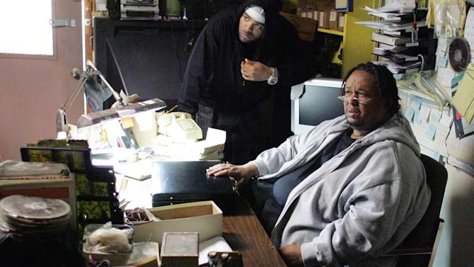 Method Man and Robert F. Chew in The Wire.