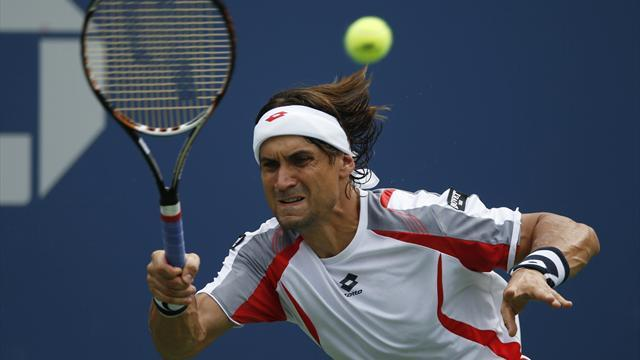 Tennis - Ferrer through in Valencia, Del Potro wins in Basel