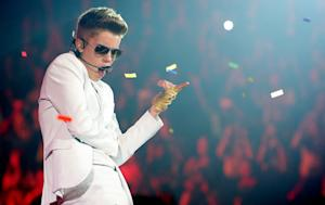 On the Charts: Justin Bieber Hits Back, Acoustic