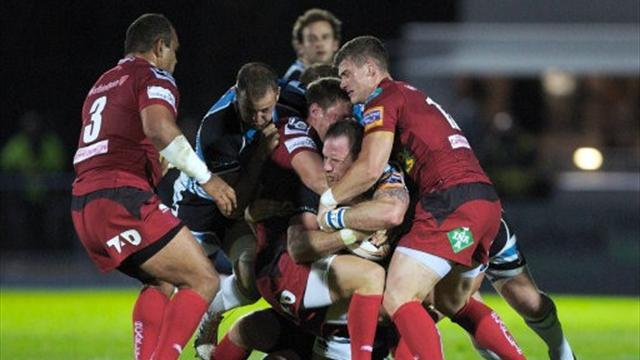 Williams sets up win on Scarlets debut