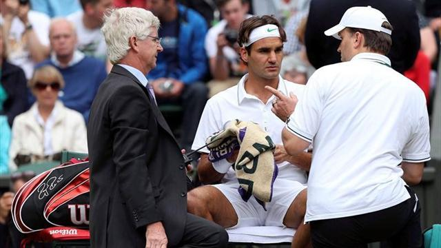 Wimbledon - Iffy Federer through as Djokovic destroys Troicki