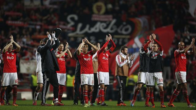 European Football - Ten see yellow, two red and coaches off as Benfica beat Porto