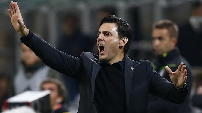 Montella warns AC Milan stars: Don't let first-place prize trap you