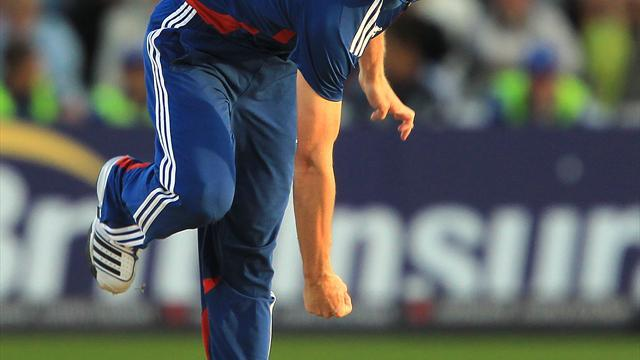 Cricket - Woakes puts himself into contention
